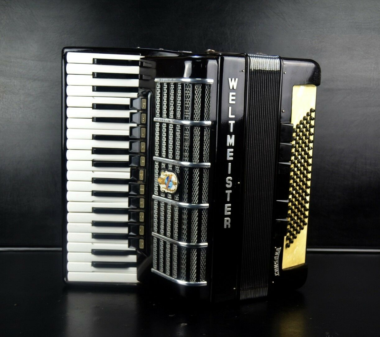 Ebay PROFESSIONAL GERMAN TOP PIANO ACCORDION WELTMEISTER